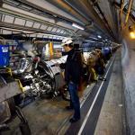 Start urychlovače LHC nabírá další zpoždění. Hovoří se o říjnu