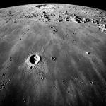 Je pro Zemi větším nebezpečím asteroid Apophis, nebo parazitní vědci a amatérští novináři?