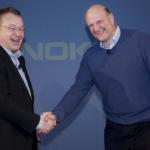 Microsoft získal rivala chytrým tahem aneb Když šéfem Nokie je bývalý ředitel obchodní divize Microsoftu