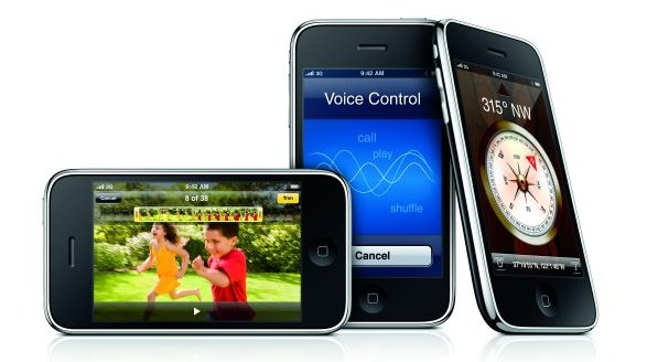 Firmě AT&T  vadí, že její klienti zatěžují datové sítě. Přitom telefon prodává jen ona a s podmínkou placení paušálu za mobilní data...